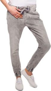 Spodnie sportowe Pepe Jeans w młodzieżowym stylu