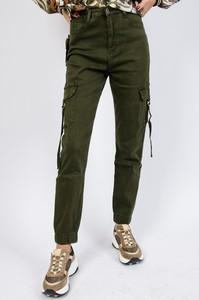 Zielone spodnie Olika w militarnym stylu