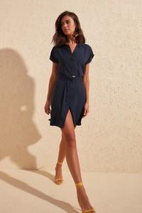 Sukienka Trendyol w stylu casual z krótkim rękawem