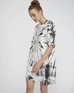 Sukienka Levis z długim rękawem z okrągłym dekoltem z bawełny