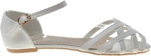 Sandały Pantofelek24 z płaską podeszwą w stylu casual