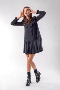 Czarna sukienka Nommo z długim rękawem mini