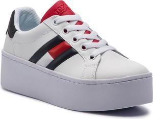 Sneakersy Tommy Jeans ze skóry ekologicznej w młodzieżowym stylu