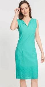 Niebieska sukienka QUIOSQUE z dekoltem w kształcie litery v bez rękawów