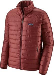 Czerwona kurtka Patagonia w stylu casual