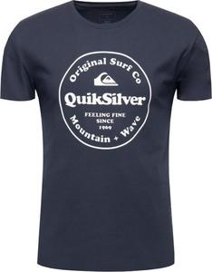 Granatowy t-shirt Quiksilver z krótkim rękawem z nadrukiem