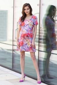 Sukienka Taravio w stylu casual mini z tkaniny