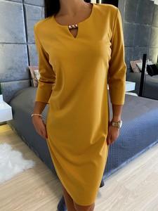 Sukienka ModnaKiecka.pl z okrągłym dekoltem z długim rękawem w stylu casual