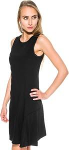 Czarna sukienka Tommy Hilfiger midi z okrągłym dekoltem