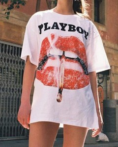 T-shirt Kendallme w młodzieżowym stylu z okrągłym dekoltem