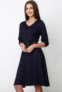 Granatowa sukienka QUIOSQUE rozkloszowana