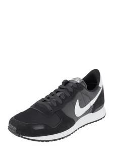 Buty sportowe Nike sznurowane w sportowym stylu z weluru