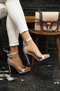 1d951ea887394 srebrne sandały szpilki - stylowo i modnie z Allani