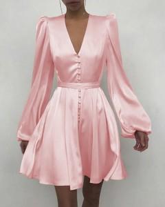 Sukienka Kendallme mini z dekoltem w kształcie litery v prosta