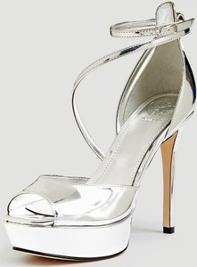 d76d6c05424a8 srebrne sandały na szpilce - stylowo i modnie z Allani
