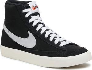 Czarne trampki Nike wysokie sznurowane z płaską podeszwą