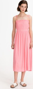 Różowa sukienka Vero Moda midi