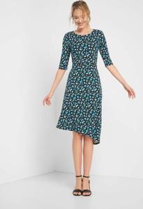 Sukienka ORSAY z dzianiny asymetryczna