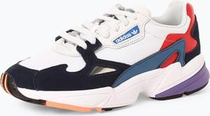 Sneakersy Adidas Originals na platformie sznurowane w sportowym stylu