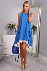 Niebieska sukienka Fasardi w stylu casual z dzianiny oversize