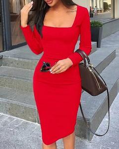 Sukienka Kendallme z długim rękawem dopasowana z dekoltem w kształcie litery v