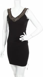 Sukienka Soky Soka z dekoltem w kształcie litery v na ramiączkach