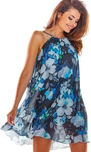 Niebieska sukienka Awama mini bez rękawów z okrągłym dekoltem