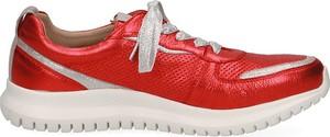 Czerwone buty sportowe Caprice ze skóry