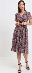 Sukienka Mohito z krótkim rękawem z dekoltem w kształcie litery v midi