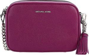 Fioletowa torebka Michael Kors matowa w stylu glamour ze skóry