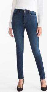 Niebieskie jeansy The Denim z jeansu
