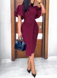 Czerwona sukienka Cikelly z krótkim rękawem midi