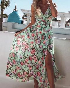 Sukienka Kendallme z dekoltem w kształcie litery v na ramiączkach maxi