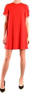 Czerwona sukienka Moschino z okrągłym dekoltem mini
