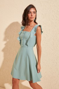Zielona sukienka Trendyol mini rozkloszowana
