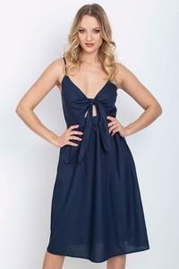Granatowa sukienka Royalfashion.pl rozkloszowana na ramiączkach z dekoltem w kształcie litery v