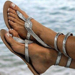 Sandały Sandbella z klamrami