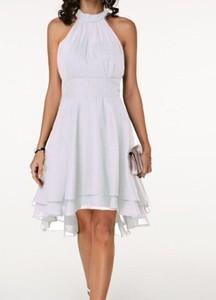 Sukienka Cikelly z asymetrycznym dekoltem bez rękawów dopasowana