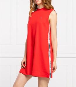Czerwona sukienka Tommy Jeans z okrągłym dekoltem w stylu casual mini