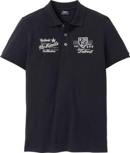 Granatowa koszulka polo bonprix bpc bonprix collection z krótkim rękawem z bawełny w młodzieżowym stylu