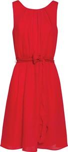 Czerwona sukienka Smashed Lemon bez rękawów midi z okrągłym dekoltem