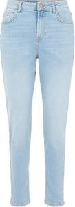 Niebieskie jeansy Pieces z bawełny