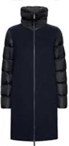 Czarny płaszcz Rrd