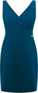 Niebieska sukienka Ivon z dekoltem w kształcie litery v