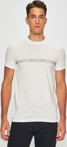 T-shirt Armani Exchange w młodzieżowym stylu