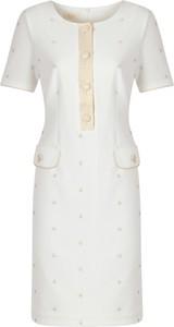 Sukienka Poza z żakardu z krótkim rękawem z okrągłym dekoltem