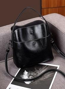 Czarna torebka Cikelly średnia na ramię