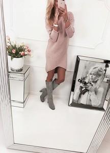 Różowa sukienka Alexiss oversize