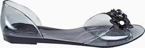Czarne sandały Gate w stylu boho z płaską podeszwą