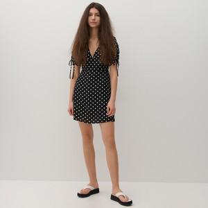 Sukienka Reserved z długim rękawem mini z dekoltem w kształcie litery v